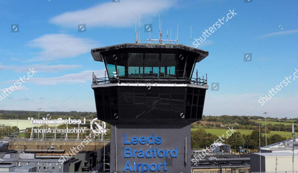 yorkshire-airport-tv-show-series-1-episode-1-uk-shutterstock-editorial-10328379a.jpg